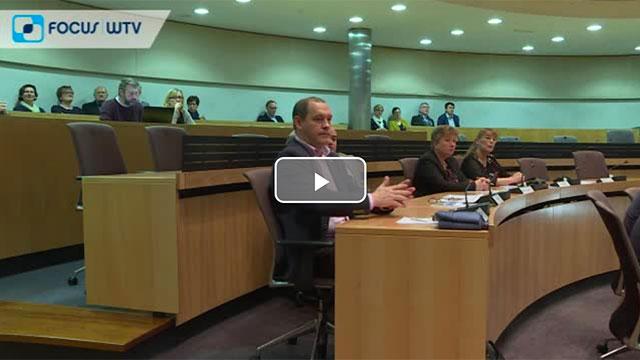 Nieuwe provincieraadsleden-en-gedeputeerden leggen eed af